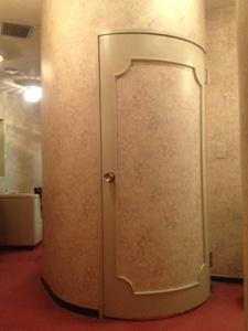 円形トイレ